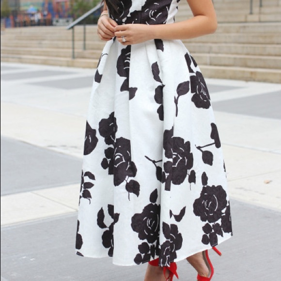 Chicwish Dresses - REDUCED‼️ Black and White Floral Tea Length Dress