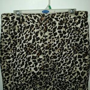 NWT Jones New York Leopard Front Zip Stretch Skirt