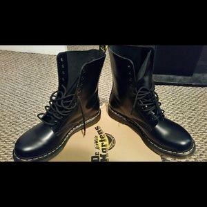 Black 1490 Dr. Martens Boots