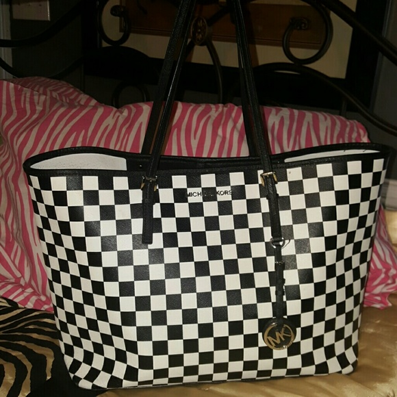 231aacb2e3a7a6 Michael Kors Jet Set black white checkered tote. M_56478a5636d594c5330022a5