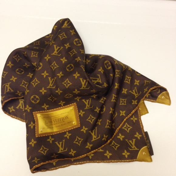 0ccb21fa9338 Louis Vuitton Scarf How To Tell If Real