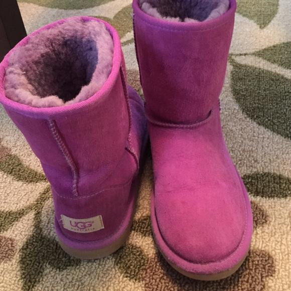40434e56337 Ugg boots - SIZE 5 girls/SIZE 7 womens