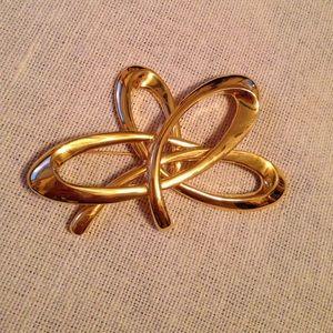 Vintage Gold Pin / Brooch