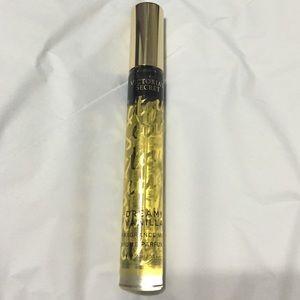 18363b6e5e Victoria s Secret Other - Victoria s Secret dreamy vanilla fragrance mist