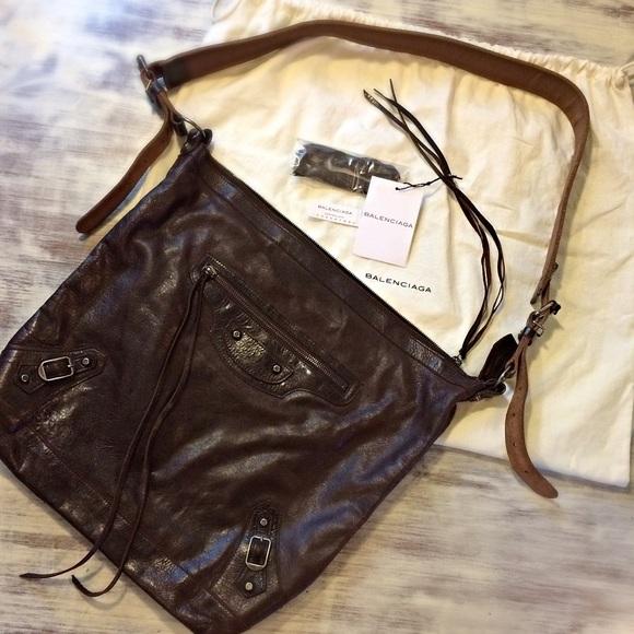 0facaf9c57 Balenciaga Handbags - ⬇️Balenciaga DAY Cross Body 1st Edition