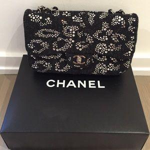 💯% authentic Chanel classic tweed Strass, jumbo