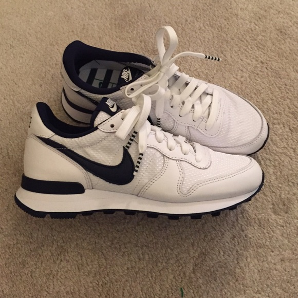 new concept 3908b ce0bd Nike Shoes - Nike Internationalist white navy