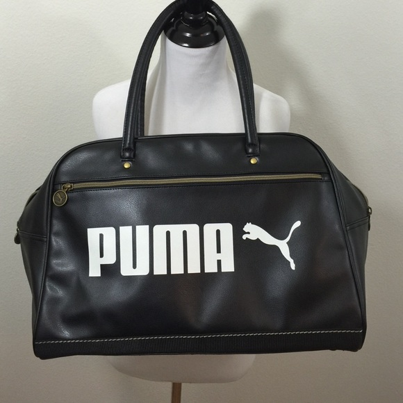 🎉24hr sale🎉Black Puma bag. M 5647e2e44127d01d750050b1 51360f946eeb8