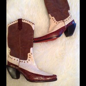 Donald J. Pliner Shoes - FINAL $$ Donald  J Pliner couture collection boot