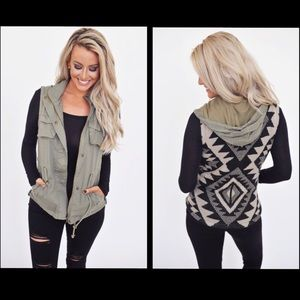 💕 JUST ARRIVED💕Olive Tribal Sweater Back Vest💕