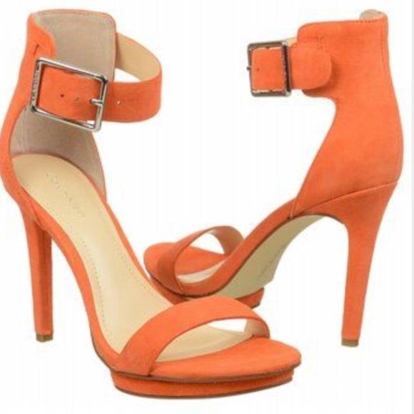 3f74a548d371 NWT Calvin Klein Vivian Suede Platform Sandal 👠