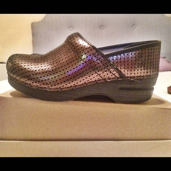 c34dd5b5135944 Dansko Shoes - 🌟🎀FLASH SALE🎀🌟Dansko Professional Sequins