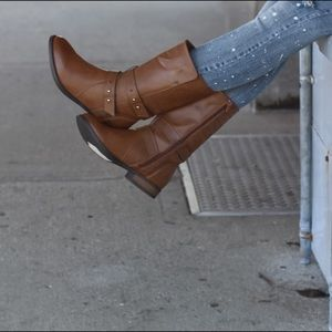 Charlotte Russe brown boots 9