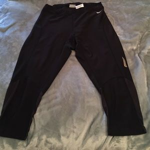 Nike Pants - Nike black Capri leggings