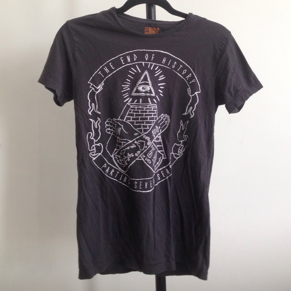 Cotton On Tops - HOLD All Seeing Eye Tee