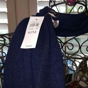 ANN TAYLOR NWT NAVY CASHMERE SCARF