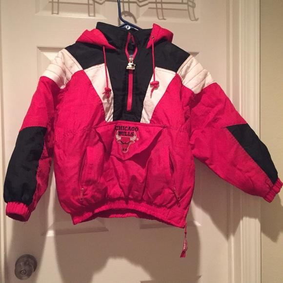 Jackets   Blazers - Vintage Chicago Bulls Starter Pullover c171d8f1b