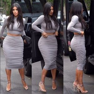 a31863030cf Dresses - 🆕2pc Kim Kardashian Bodycon Dress Distressed Grey
