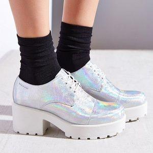 8a0ab745c7 UNIF Shoes - Vagabond dioon hologram Oxford silver platform