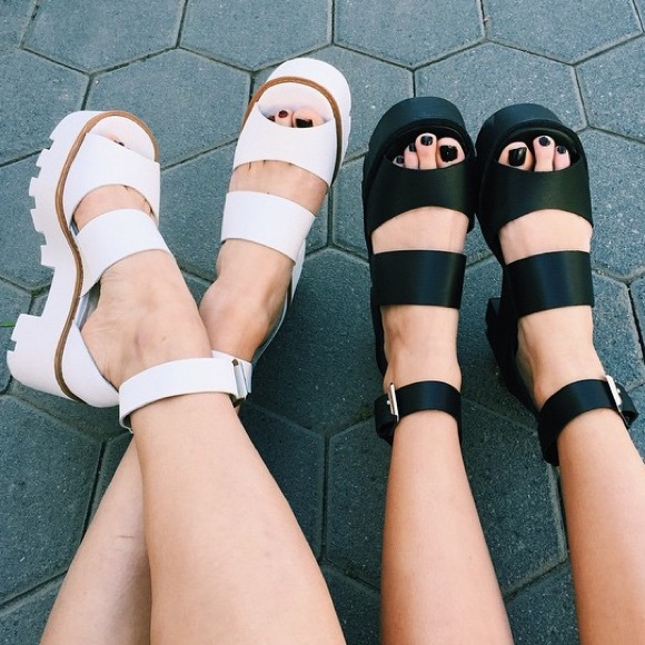 cd4d83131c3d LF Shoes - LF Windsorsmith white Puffy platform sandals