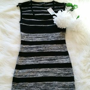 Forever 21 Dresses & Skirts - 💞SALE💞 Forever 21 Black and Grey Dress