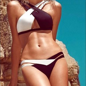 Other - White and black bikini set