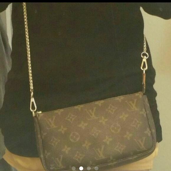b7ad288021c4 Louis Vuitton Handbags - 🙌 AUTHENTIC LV POCHETTE OM