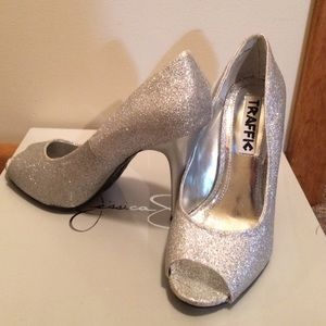Traffic Shoes - Silver high heals