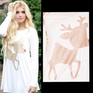 🎄JUST ARRIVED 🎄Holiday Reindeer Glittery Tunic❤️