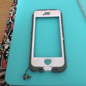 White Lifeproof case for iPhone 5s