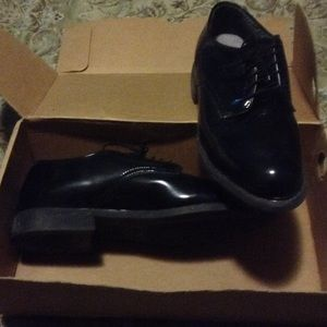 CAPPS DRESS OXFORD BLACK 9.5 D with original box