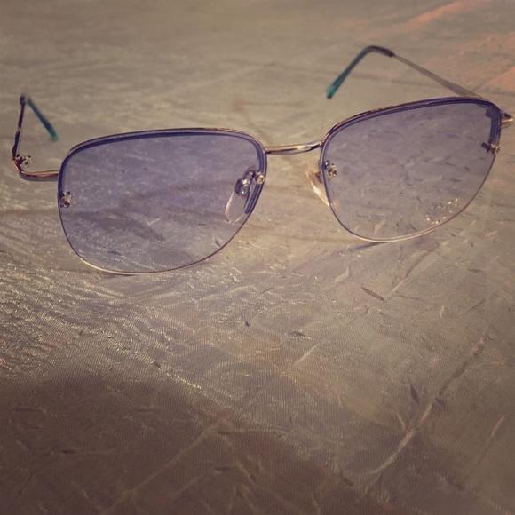 9de3323fbfe Accessories - Blue tint Aviator glasses with Rhinestone Heart