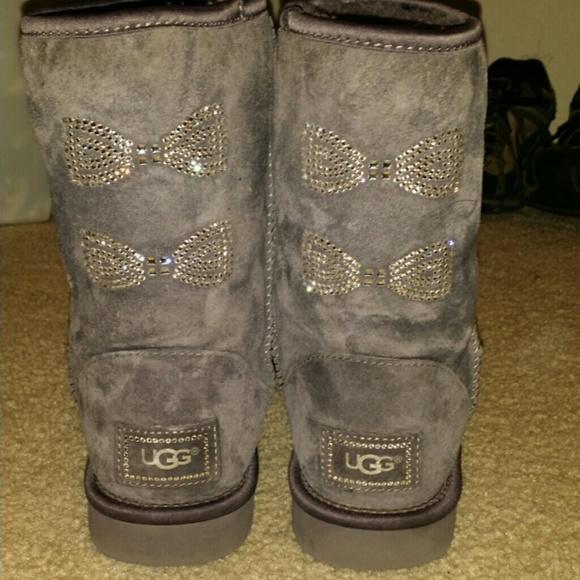 Diamond bow ugg boots