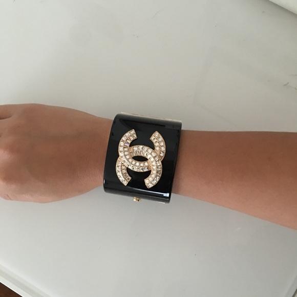 CHANEL Jewelry - CC logo Chanel acrylic cuff bracelet black gold 32108fe1e41a