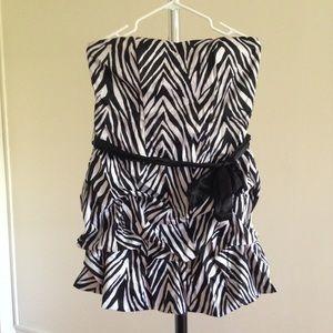 Dresses & Skirts - Short Strapless Black White Zebra Print Dress