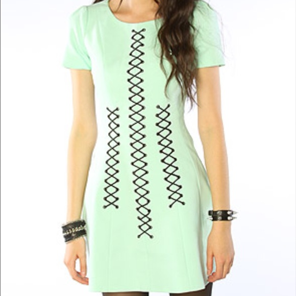 Stylestalker elliott circle dress shirt
