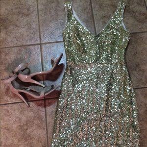 Bisou Bisou gold sequin dress. Size 4!