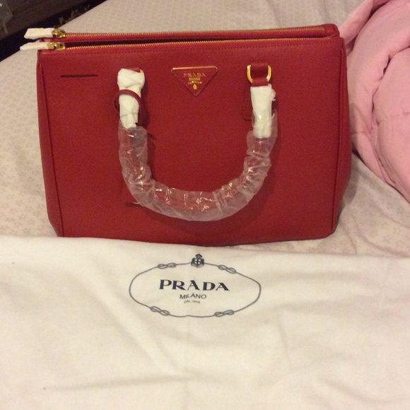 ca1596cc0bdb Prada saffiano leather double zip bag medium red. M_564aa2d2c6c7959377006913