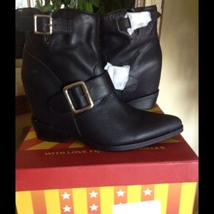 ***SOLD***JC Black Leather Wedge Ankle Boots