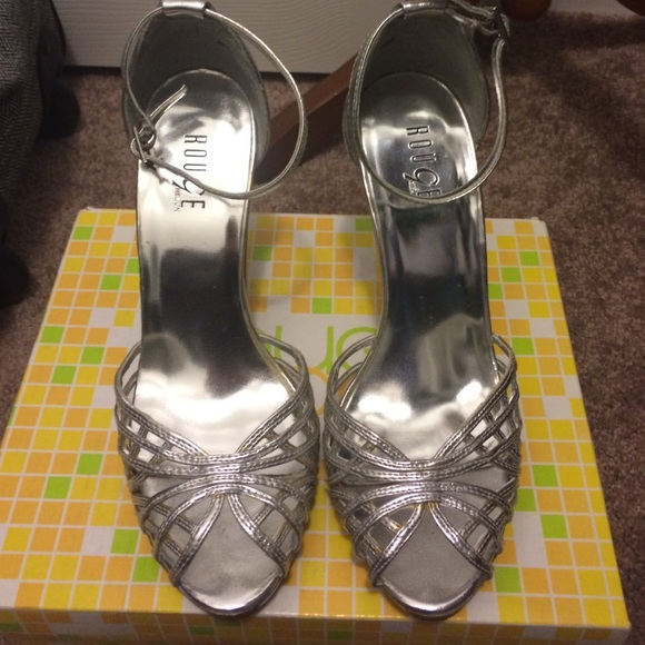 e94a3ae5e18 Silver high heels. M 564abac84225be7c41007bb7