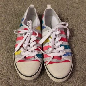 Old Navy Converse Style Silver Striped Sneakers 7