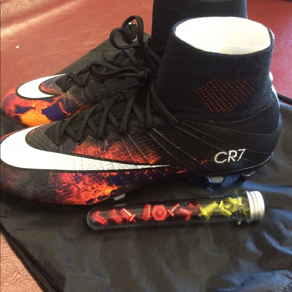 nike basketball shoes offers cool nike soccer shoes