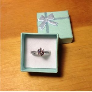 Jewelry - White filled ring