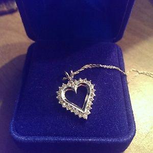 14k white gold and diamond heart pendant