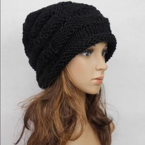 Accessories - Black handmade slouchy hat
