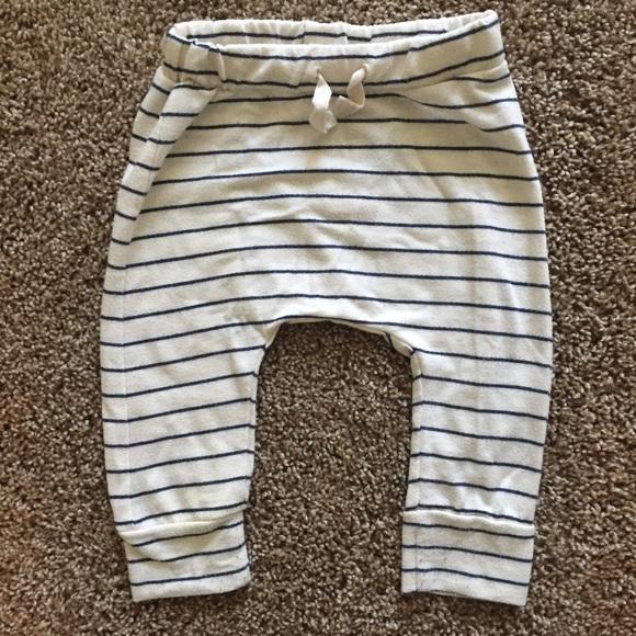 Zara baby pants. M 564b47c9d6b4a131a302579a aef57a0b916