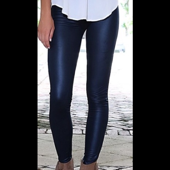 Slimming Leather Leggings