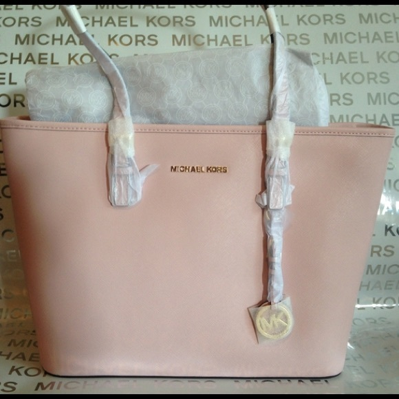 e02a1cb0fae7 Michael Kors Jet Set Travel Top Zip Tote