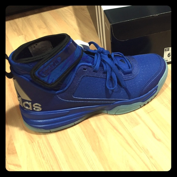 Adidas Dual Threat Basketball Shoes