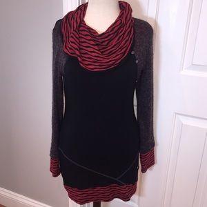 Dzhavael Couture Tops - Dzhavael couture red / grey tunic sweater